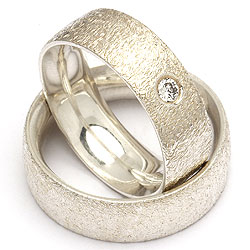 Forlovelsesringe i sølv fra Randers Sølv