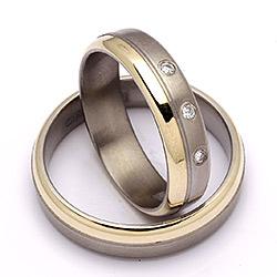Bryllupsringe i guld og titanium